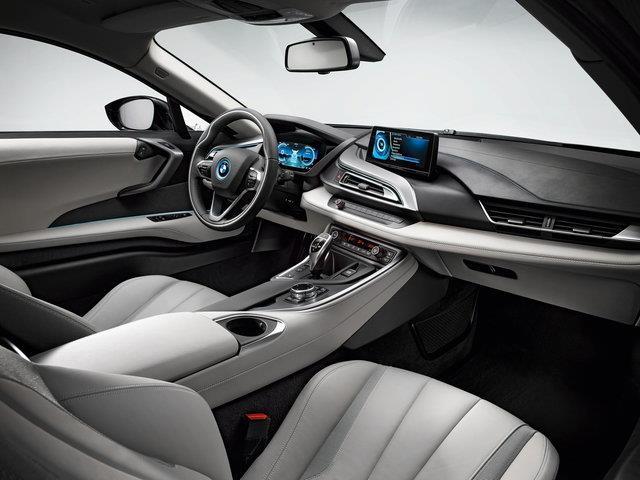 BMW i8: la sportiva con vesti da sostenibile
