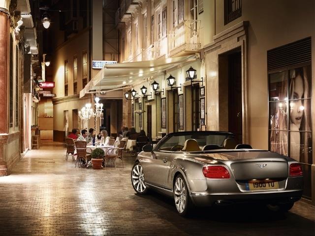 Bentley Continental GTC: emozione di guida