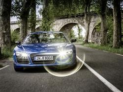 Audi R8 LMX accende fari da vera supercar